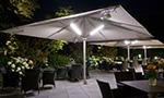 Riesiger Sonnenschirm Gastroschirm Big Ben von Caravita quadratisch mit Beleuchtung Elegance Hotel Kempinski